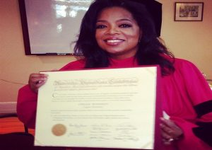 Oprah-receives-Honorary-Degree-Open-university-international-online