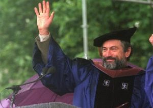 robert-de-niro-Honorary-Doctoral-Degree.-Open-University-International